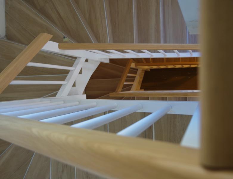 Holz Treppen Treppen in Holz Holztreppen Massivholztreppen Treppenrestaurationen Vollholztreppen Vinschagau Suedtirol Südtirol Latsch Pohl Pohltreppen (6)