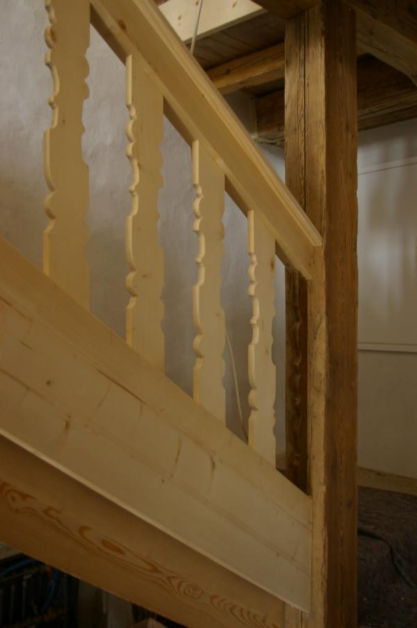Holz Treppen Vinschgau Suedtirol Stiegen Treppenrestaurationen Treppenmanufaktur Karpoforus (4)
