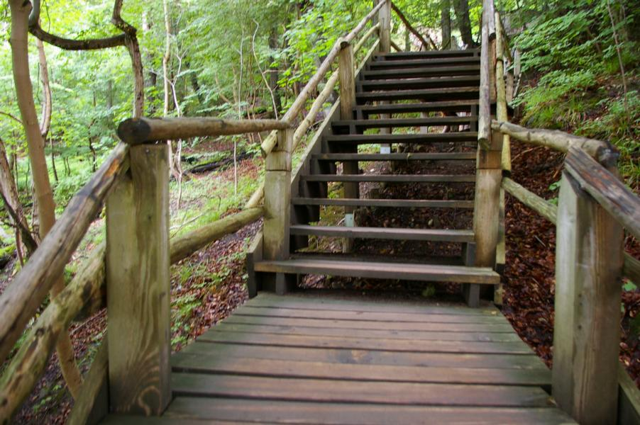 Treppen Holz Treppen in Holz Holztreppen Pohl Suedtirol Vinschgau Latsch Karpoforus (2)