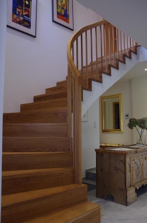 Treppen in Holz Holztreppensanierung Treppen Suedtirol Vinschgau Karpoforus Pohl Tarsch (5)