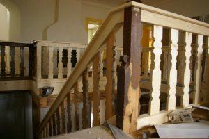 Holz Treppen Treppen in Holz Holztreppen Treppenrestaurationen Suedtirol Vinschgau Karpoforus Latsch Pohl